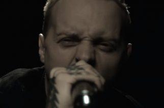 """Architectsin Sam Carter nousi lavalle Neck Deepin kanssa Leeds Festivalissa: livevideo """"Don't Wait"""" -kappaleesta katsottavissa"""