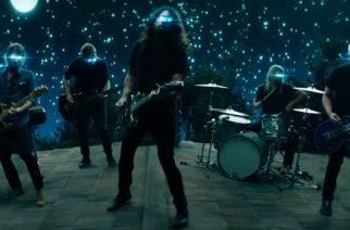 """Foo Fighters julkaisi musiikkivideon uudesta """"The Sky Is A Neighborhood"""" -kappaleestaan"""