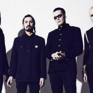 """The Comes Silencen uusi albumi julkaistaan tänään: Musiikkivideo """"Warm Like Blood"""" -kappaleesta katsottavissa"""