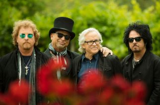 """Toton Steve Lukather kertoo uudesta elämänkerrastaan ja harmittelee musiikin nykytilaa: """"Albumiformaatti on kuollut"""""""
