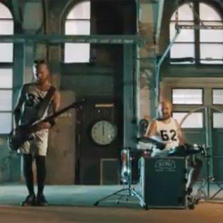 """Wöyh! -""""Kellonpurija""""-musiikkivideo"""