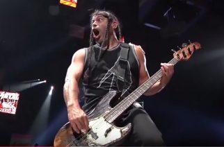 """Metallica julkaisi virallisen livevideon """"Damage, Inc."""" -kappaleen esityksestä Amsterdamin keikalta"""
