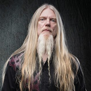 Suomalaisen heavy metalin pioneeri Marco Hietalan tähänastinen elämä kaunistelemattomasti