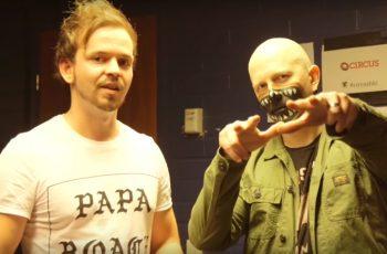 """Apulanta kertoo KaaosTV:n videohaastattelussa uuden kappaleen nauhoituksesta: """"Sävellyspuolella se on rautaa"""""""