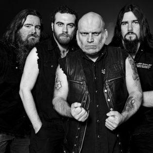 Dark River Festival julkaisi ensimmäiset esiintyjänsä ensi vuodelle: Pääesiintyjinä Blaze Bayley sekä Ensiferum