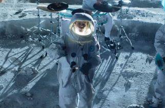 """Enter Shikari painuu avaruuteen tuoreella kappaleellaan: katso """"The Sights"""" -kappaleen musiikkivideo"""