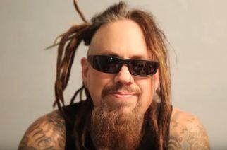 """Kornin basisti Fieldy julkaisi videon tuoreen """"Bassically"""" -sooloalbuminsa teosta"""