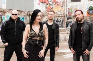 """The Dark Element -yhtyeessä laulava Anette Olzon: """"On vaikeaa nousta jälleen pohjalta"""""""