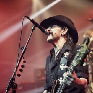 Legendojen kohtaaminen: katso Lemmyn ja Metallican jamitteluvideo vuodelta 2009