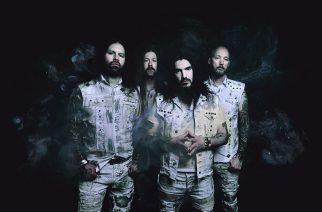 Entinen Machine Head -basisti Adam Duce haukkui rankemmalla kädellä ex -yhtyettään