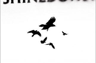 """Shinedownin 10 vuotta täyttävä """"The Sound Of Madness"""" on erinomainen rock-albumi, jota ajan hammas ei ole päässyt nakertamaan"""
