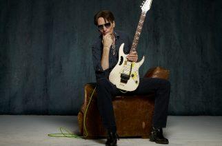 Maailman arvostetuimpiin kitarataitureihin lukeutuva Steve Vai Suomeen maaliskuussa