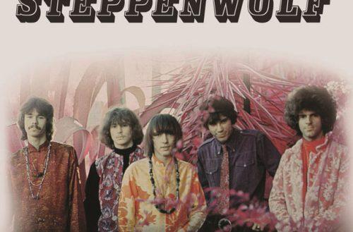Yhtyeen jäsenet kuvattuna Steppenwolfin debyyttilevyn kannessa, ilman 1960-luvulle tyypillistä psykedeelista taidetta.
