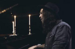 """Betraying The Martyrsin Victor Guillet julkaisi upean akustisen tulkinnan """"The Great Disillusion"""" -kappaleesta: video katsottavissa"""