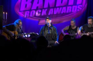 In Flamesin ja Amaranthen entisistä jäsenistä koostuvan Cyhran akustinen esiintyminen Ruotsin Bandit Rock Awardsissa katsottavissa