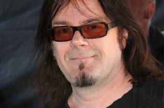 Hard rockin laulajalegenda Doogie White Tampereelle huhtikuussa