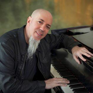Dream Theaterin Jordan Rudess julkaisee uuden sooloalbumin huhtikuussa: mukana 33-minuuttinen kappale