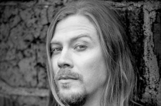 Ex-Sabaton kitaristi Thobbe Englundilta uusi sooloalbumi