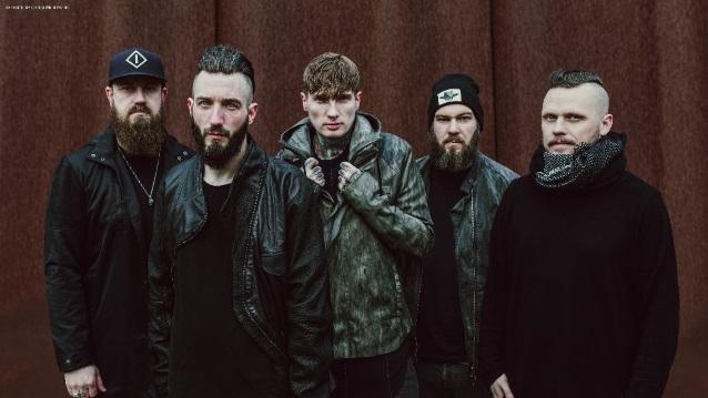 """Caliban julkaisee uuden """"Zeitgeister""""-nimisen albuminsa toukokuussa: luvassa saksaksi laulettuja versioita bändin vanhoista kappaleista"""