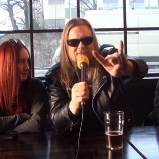 """KaaosTV:n videohaastattelussa Evil Drive: """"Suomessa on järjettömän kova taso metallibändeissä väkimäärään nähden"""""""