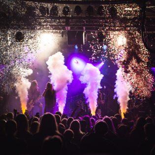 Shiraz Lane pisti pystyyn rock-karnevaalit levyjulkkareissaan Nosturissa 3.3.2018