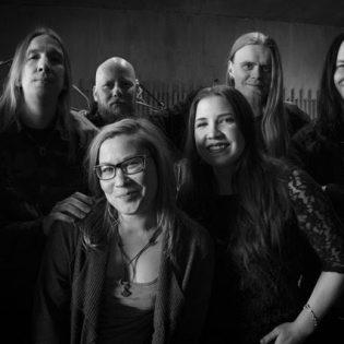 Teatraalista metallia soittava Lost In Grey studioon nauhoittamaan tulevaa albumiaan
