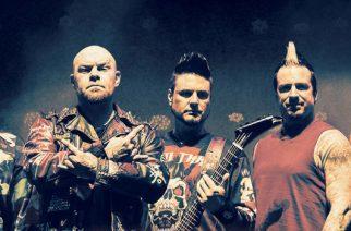 """Five Finger Death Punch esittelee herkempää puoltaan: Uusi kappale """"When The Seasons Change"""" kuunneltavissa"""