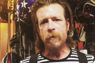 Eagles of Death Metalin Jesse Hughes pyytää anteeksi March For Our Lives -protestiin kohdistettuja kommenttejaan