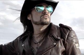 """Viettelyä ja palkkiometsästystä: White Wizzard julkaisi musiikkivideon """"Chasing Dragons""""-kappaleestaan"""