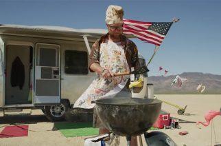 """Kaikki Amerikka-kliseet Five Finger Death Punchin uudella musiikkivideolla: katso """"Sham Pain""""-kappaleen video"""