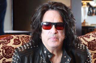 """Kiss-yhtyeen Paul Stanley kannusti nuoria hienossa valmistujaispuheessa: """"Ottakaa elämästä kaikki irti"""""""