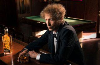 Ostohousut jalkaan – Bob Dylanin alkuperäisiä lyriikoita myynnissä