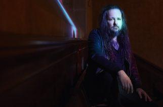 Näin syntyi Kornin Jonathan Davisin tuore sooloalbumi: ensimmäinen video levyn teosta katsottavissa