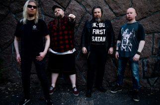 Thrash metalia Sepulturan, Slayerin ja Testamentin hengessä: Mikko Herrasen luotsaaman Mistererin uusi kappale Kaaoszinen ensisoitossa