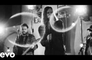 """While She Sleeps julkaisi vaihtoehtoisen version """"Silence Speaks"""" -kappaleestaan: video katsottavissa"""