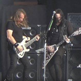 """Arch Enemyn kitaristi Michael Amott soitti yhdessä Megadethin kanssa """"Symphony Of Destruction"""" -kappaleen"""