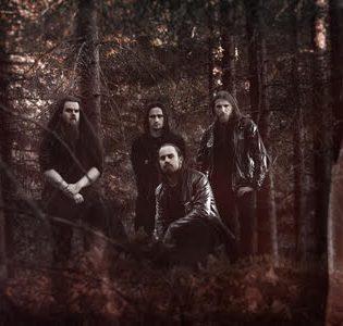 Arktista black metalia Norjan vuonoilta: Iskaldin uusi kappale Kaaoszinen ensisoitossa