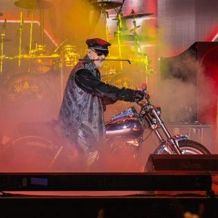 Judas Priestin Rob Halfordilta uusi sooloalbumi