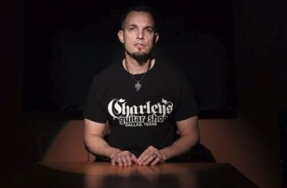 Alter Bridgen kitaristi Mark Tremonti marraskuussa studioon nauhoittamaan seuraavaa sooloalbumiaan