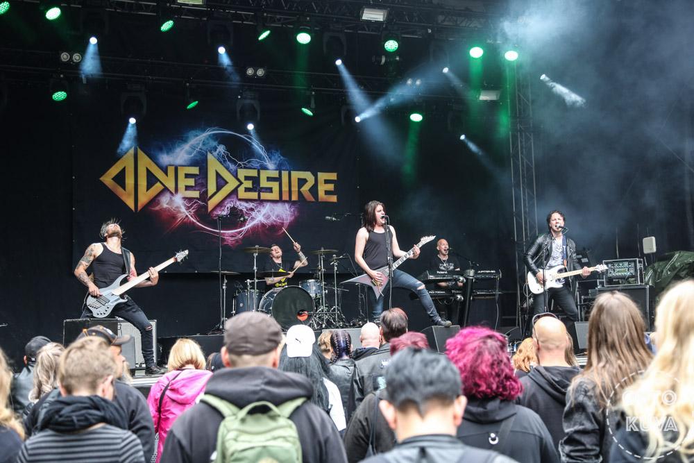 """One Desirelta uran ensimmäinen livealbumi kesäkuussa: livevideo """"After You're Gone"""" -kappaleesta katsottavissa"""