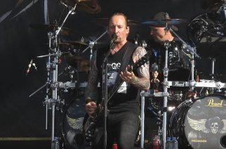 """Volbeat omisti """"Goodbye Forever"""" -kappaleen menehtyneelle Vinnie Paulille Graspop Metal Meetingissä"""
