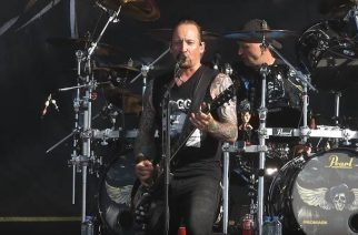 "Volbeat omisti Vinnie Paulille ""Seal The Deal"" -kappaleen"