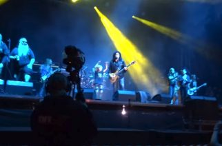 KISS-legenda Gene Simmons kutsui Korpiklaanin lavalle keikallaan Masters Of Rockissa tulkitsemaan Kiss-klassikkoa