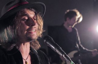 Brittiläiskitaristi Keith Xander syntyi ilman toista kättään – näin taitavasti hän kuitenkin soittaa