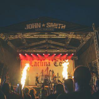 Dark Tranquillitya, Lacuna Coilia sekä Amorphista: katso kuvat John Smith Rock Festivalin perjantailta