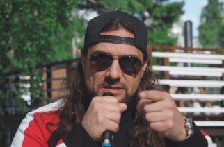 """KaaosTV:n haastattelussa Mokoman kitaristi Kuisma Aalto: """"Haluamme kannustaa kaikkia roskankeruutalkoisiin"""""""