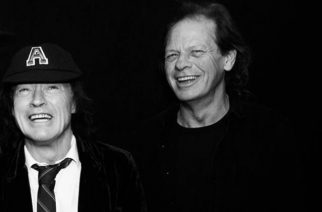 Myös AC/DC:n Angus Young ja Stevie Young nähty studiossa Vancouverissa