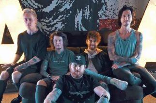 """Asking Alexandria julkaisi musiikkivideon """"Alone In A Room"""" -kappaleen akustisesta versiosta"""