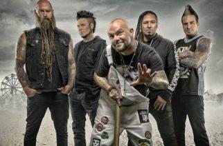 Five Finger Death Punchin tuuraajarumpaliksi paljastui progemetalli-kannuttaja Charlie Engen