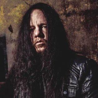 """Slipknotin entinen rumpali Joey Jordison muistelee bändin 21 vuotta täyttänyttä debyyttialbumia: """"Siihen albumiin sisältyy elämäni parhaita muistoja"""""""